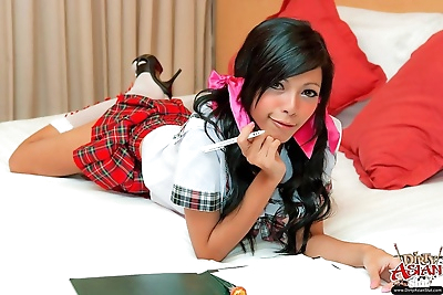 sexy Asiatische Schule Mädchen in..