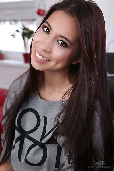 Asian beauty Paula Shy works..