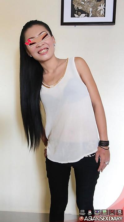 Skinny teen Asian Gi spreads..