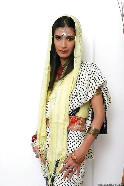 Hot Indian woman Tamara..