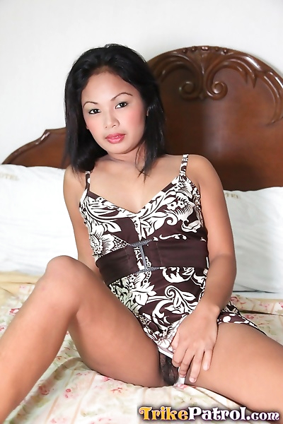 Sweet Asian babe Josey loves..