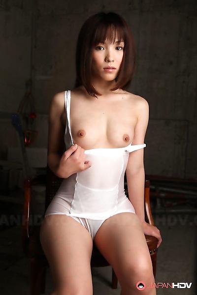 Erotic Japanese model Arisa..