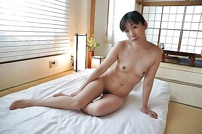 Rammish asian gal with tiny..