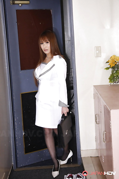 Elegant cheating wife yuki..