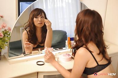 Erika hiramatsu rubs her hot..