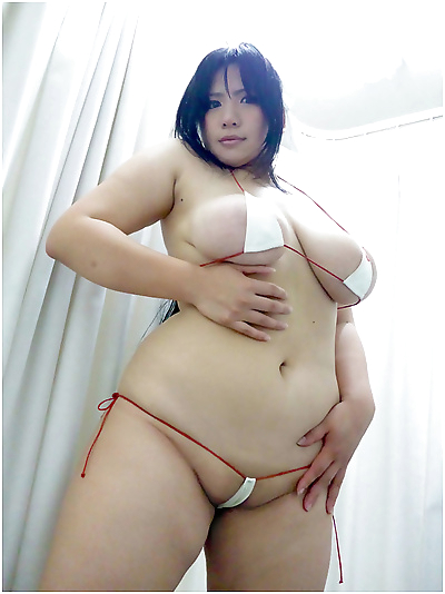 Curvy busty asian gfs posing..