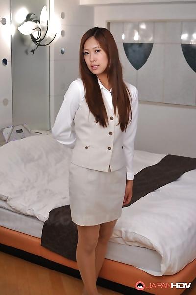 Nao yuzumiya shows off with..