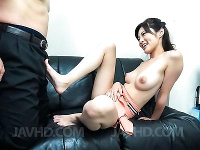 Asian sara yurikawa in an..
