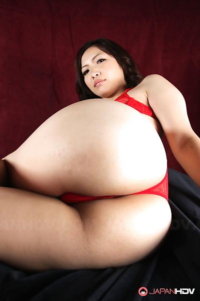 Mayumi takara shows her big..