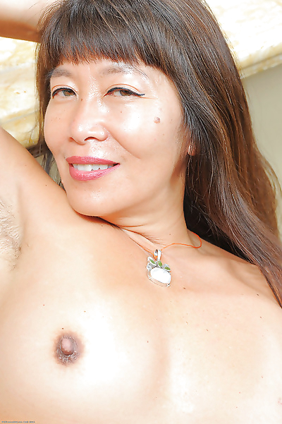 Amateur Asian mom Sakura Lei..