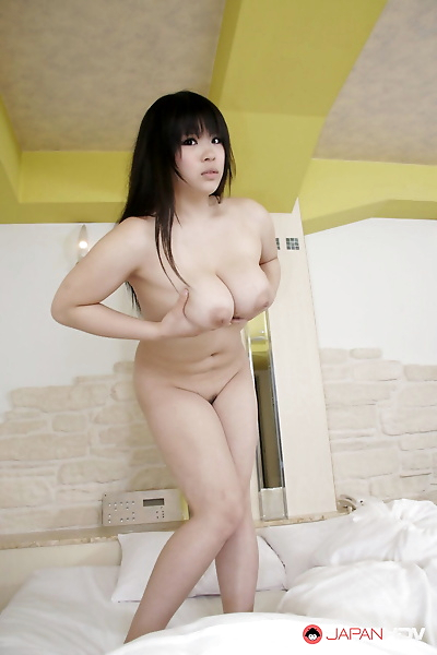 Japanese beauty Momoka..