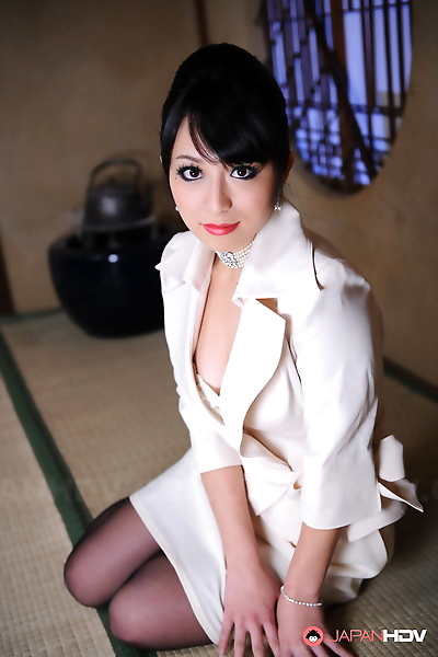 Classy Japanese model Nana..