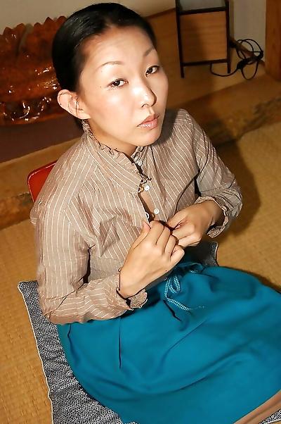 Asian lassie Yukie Ishikawa..