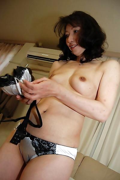 Mako Shinozuka reveals her..