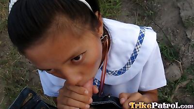 Young Filipino schoolgirl fucks a sex tourist in exchange for a cigarette